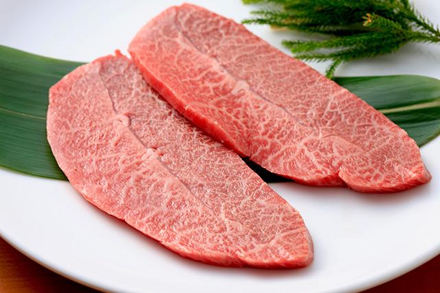 基本的に牛肉は空気に触れている状態でいればいるほど、商品が風味が落ちて傷んでいきます。